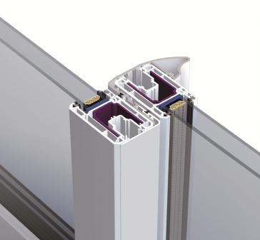 profilé aluminium laqué formant une prise de main supplémentaire pour les portes fenêtres